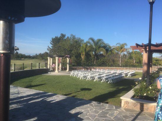 Old Ranch Country Club: Side view of wedding ceremony area.