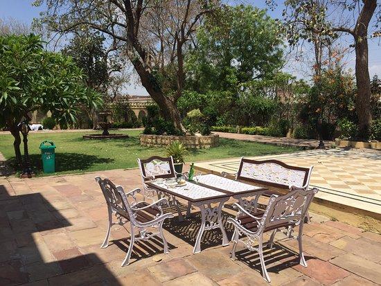 Royal stay at Amar Mahal Orchha