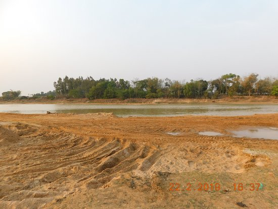 Gangani - Shilabati River (February - no much water)