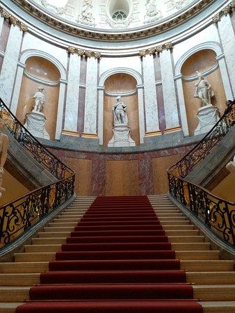 Bode Museum: Merdivenler