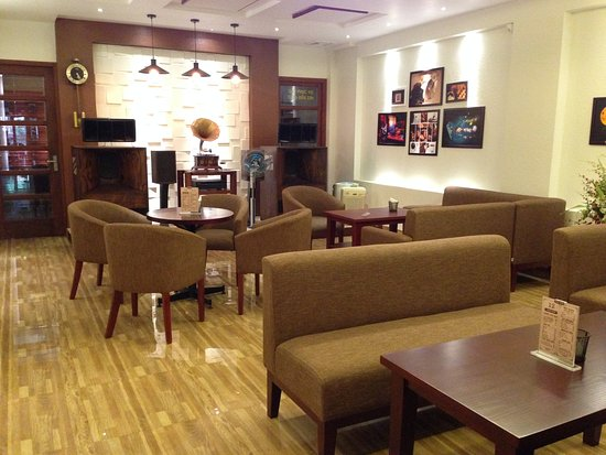 Ha Giang, Vietnam : High-end Audio Room in Cafe Phuc