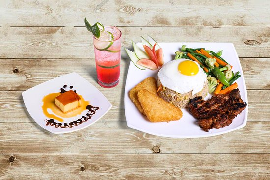 Mocktail, Egg, Hash browns, Smoked chicken, Sauteed vegetables, caramel pudding
