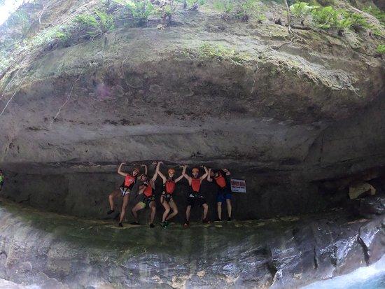Kawasan Canyoneering: canyoning