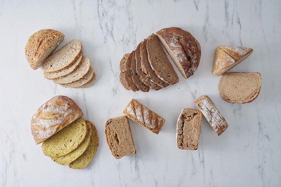 Kafes Firin Sogutozu: Butik Ekmekler / Artisan Breads