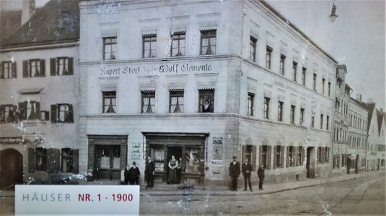 Dingolfing, Germany: Das ehemalige Kaufhaus Clemente