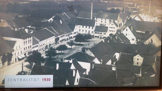 Dingolfing, Germany: Blick vom Kirchturm auf den Marienplatz.