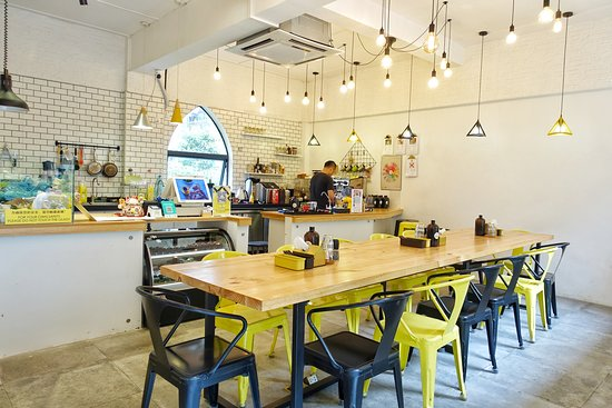 FeelMore Coffee & Bagels Tianhe Bei Shop-2