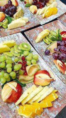 A fruit love story.