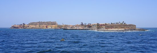 Остров Гори, Сенегал: The boat ride to and from île de Gorée takes about 30 minutes.  Expect to queue for 1-1.5 hours before getting on the boat in either direction, though