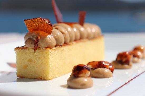 La Table du Goeland - Casa Santini: Délice praliné, caramel et noisettes 