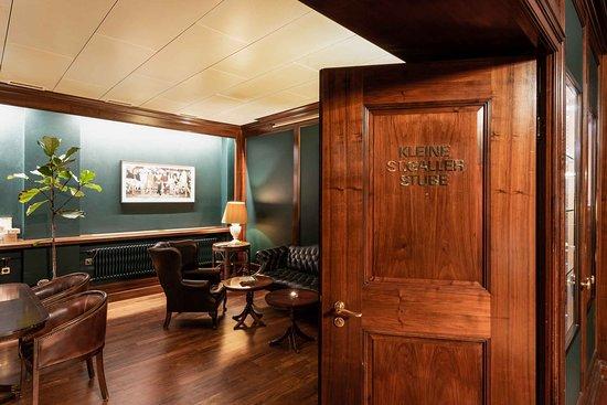 Einstein Bar: Davidoff Cigar Lounge - Kleine St.Galler Stube