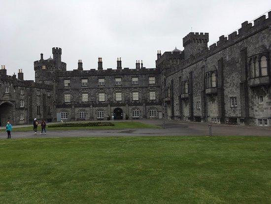 Château de Kilkenny, superbe.