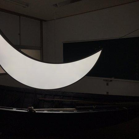 Shami Island: レオニート・チシコフ「月と塩をめぐる3つの作品」@ 沙弥小中学校跡 瀬戸内国際芸術祭2019
