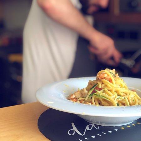 Spaghetti gamberi, zucchine e capesante