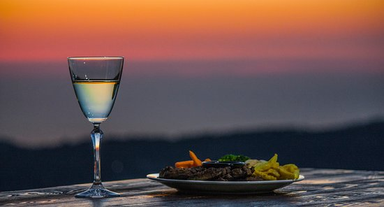 Deir el Qamar, Libanon: A Glass on Sunset
