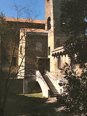 Monastero di San Paolo: מהזר סן פאלו הכפר סנטה אגתה