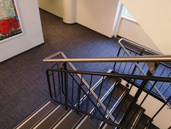 EGON Hotel Hamburg City: Treppenaufgang