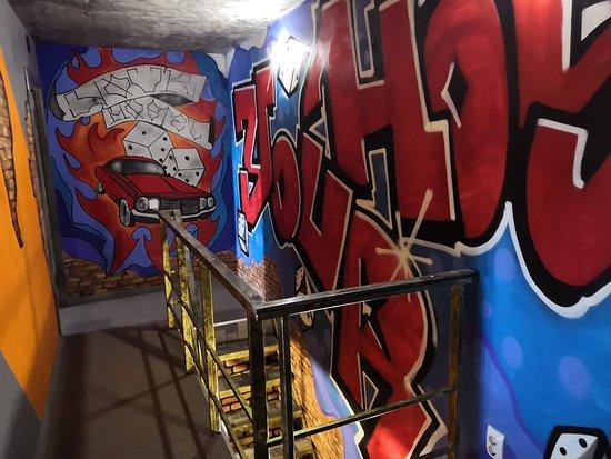 В хостеле Graffiti  2 этажа и много пространства для творчества.