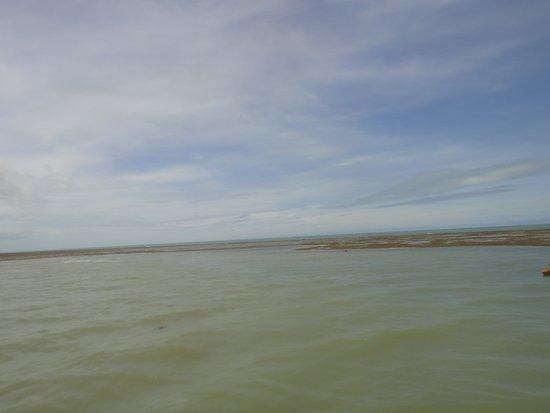 Luanda Turismo Nautico: Quando a maré começa a encher a ilha desaparece. A natureza é muito perfeita.
