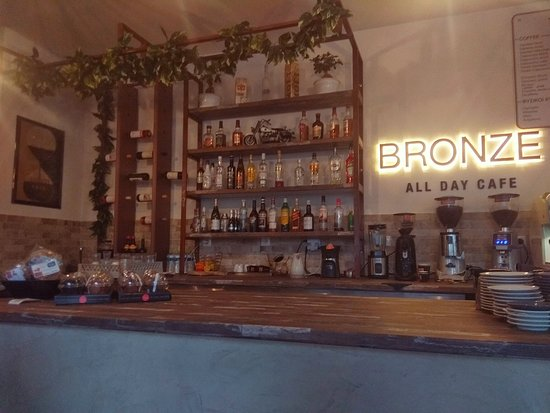 Bronze all day cafe: Bronze