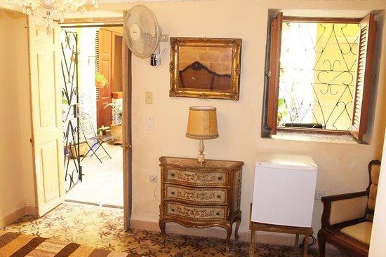 Room 3 / Habitación 3