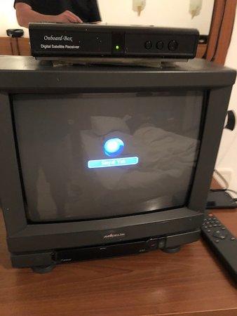 Yaşlı tüplü TV