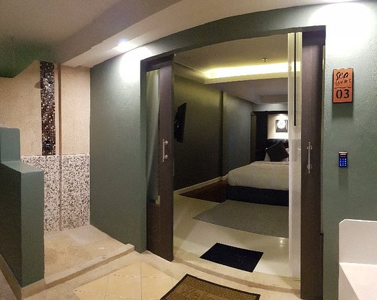 Sea Room's at Patong: Our rooms are clean and located in the heart of Patong Beach, opposite Bangla Road.  Along the shores of Patong Beach