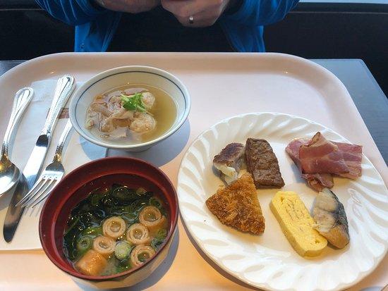 Mitsui Garden Hotel Hiroshima: Breakfast options