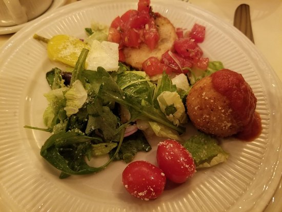 Salad. Maggiano's Little Italy, Austin, TX