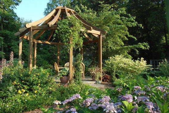 Gazebo in the Art Rudolph Sun and Shade Garden