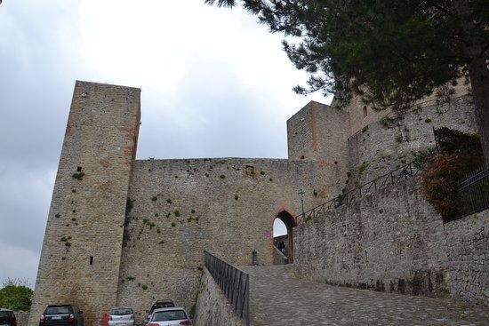 Castello di Montefiore Conca: Entrata al castello