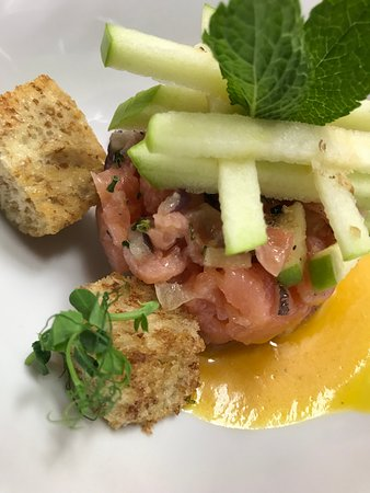 L'ephemere: tartare de saumon