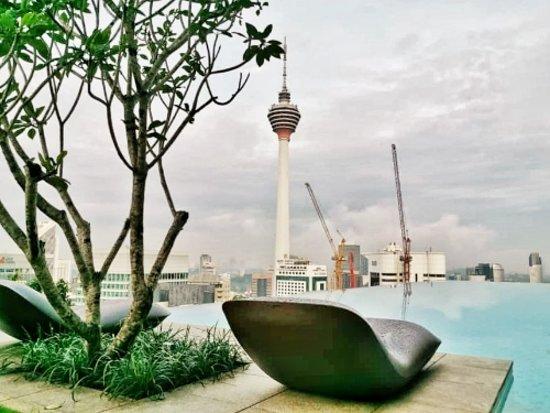 EQ Kuala Lumpur: Infinity pool during the day