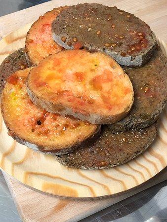 Gratallops, إسبانيا: Pan con tomate