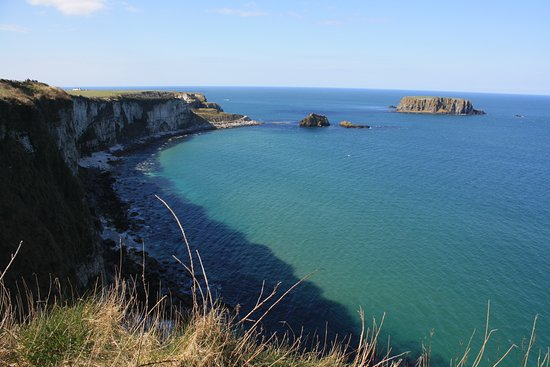 Giant's Causeway Premium Day Tour from Belfast (Includes Admissions): Antrim Coast