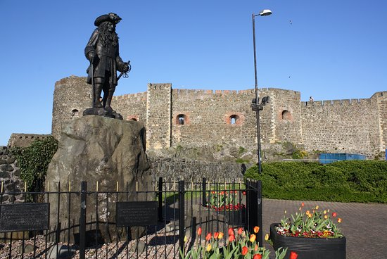 Giant's Causeway Premium Day Tour from Belfast (Includes Admissions): Carrickfergus Castle