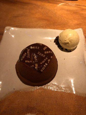 Zuma: Bellissima location. Veloci nel servire e cordiali. Mangiato benissimo, consigliato il tortino come dessert. Prezzi a livello del posto. Consigliabile prenotare una settimana prima.