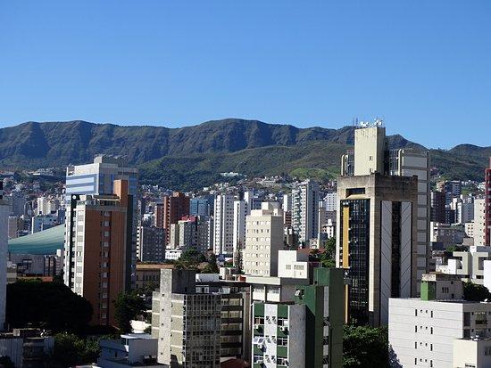 Hotel Boulevard Plaza: Vista do terraço, onde tem a piscina.