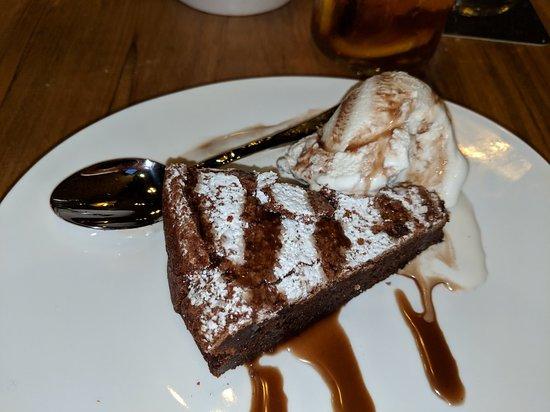 Bernie's Restaurant & Bar: Variety of entrees