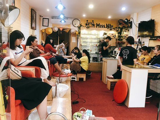 """We have you interested service  beauty professional .   👉🏿Nail artist 💅🏻  👉🏿eyelash extensions 👁  👉🏿scrub and treatment foot 👣  👉🏿makeup artist and training make up 💋  👉🏿waxing 👙  👉🏿tatoo eye Brown , lip, ect....   👉🏿hair and shampoo   🏡Shop """"Miss Nhi Beauty Club  ✅Page: Miss Nhi Beauty Club   Facebook: Nhi xinh dep   📞Ho tline: 0987894059 ( miss Nhi)--02466874949  🌲Address 1: 44 Xuan Dieu - Tay Ho -Ha Noi  ✅Website: www.missnhibeautyclub.com.vn"""