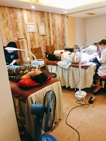 Floor only for face - eyelash extension- make up!  You will happy after a service professional at miss nhi beauty club at 44xuandieu - tay ho!