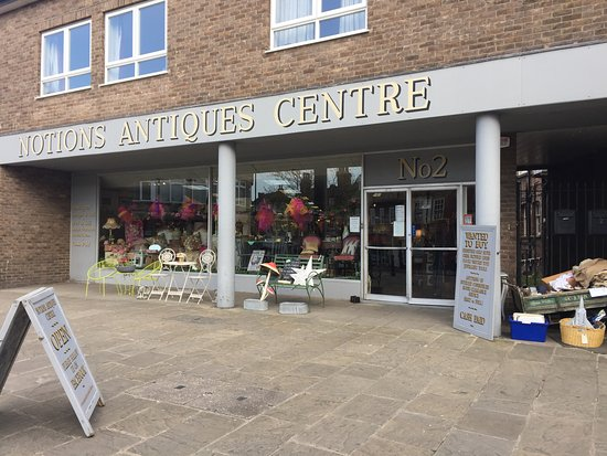 ‪Notions Antiques Centre‬
