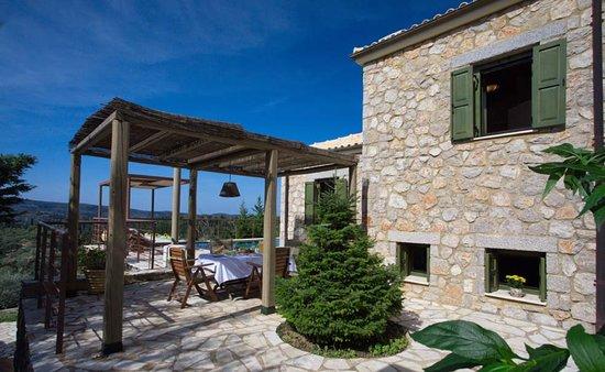Entrance - Picture of Asplathia Villas, Lefkada - Tripadvisor