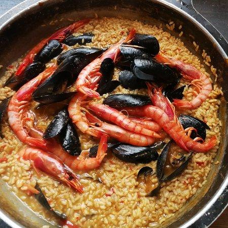 La Xarxa: El menjar boníssim, productes frescos de primera qualitat. El tracte molt familiar i molt atents. 100% recomanable!!!