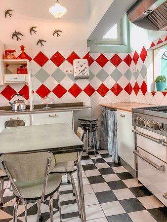 Le Pavillon des Canaux: The kitchen room
