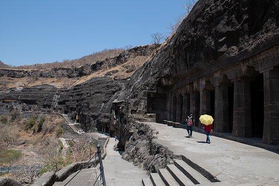 Ajanta Caves: Cave exterior access