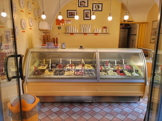 Gelateria Pacan Ice: Ingresso e banconce
