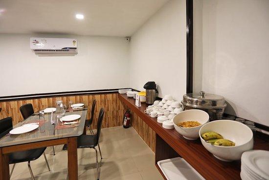 Interior - Picture of OYO 16010 The Stay, Kolkata (Calcutta) - Tripadvisor