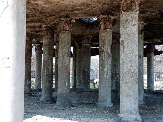 Monument Rotonda: первый этаж ротонды