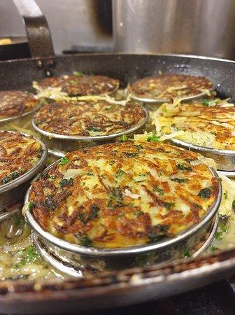 Le Tapazinc: Quelques petites photos du chef dans les cuisines.